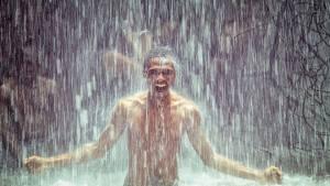 ▷ Sonhar Com Banho De Chuva 【O que significa?】