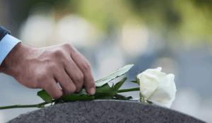 ▷ Sonhar que a mãe morreu 【10 Significados Reveladores】