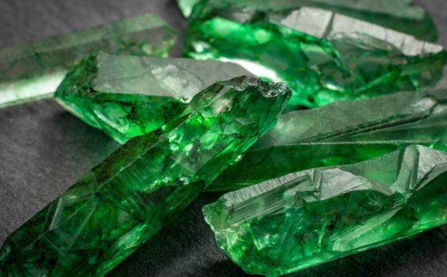 foto da pedra preciosa esmeralda