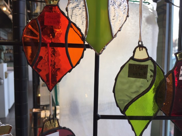 Donna Karl, Ornament