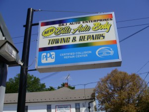 Bills Auto Body pylon sign