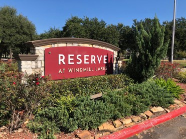ReserveAtWindmillLakes_MonumentSign
