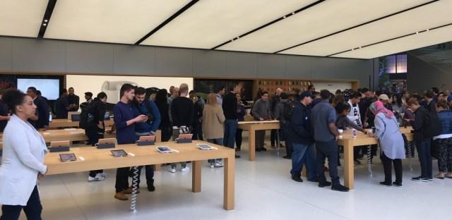 iPhone 7'nin Suya Dayanıklılığı ve Simsiyah iPhone 7 Üzerine Yorumlar