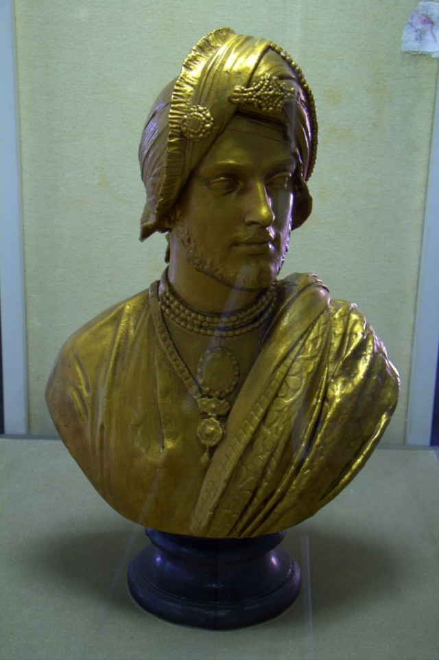 statue-of-Dulip-Singh_resize