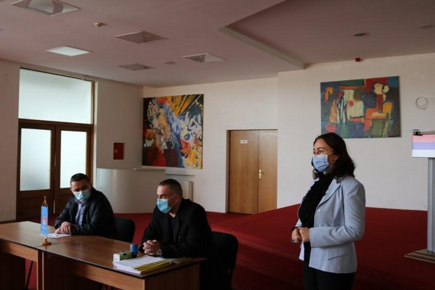 Mrkonjić Grad: Potpisani ugovori o podsticaju za pčelare