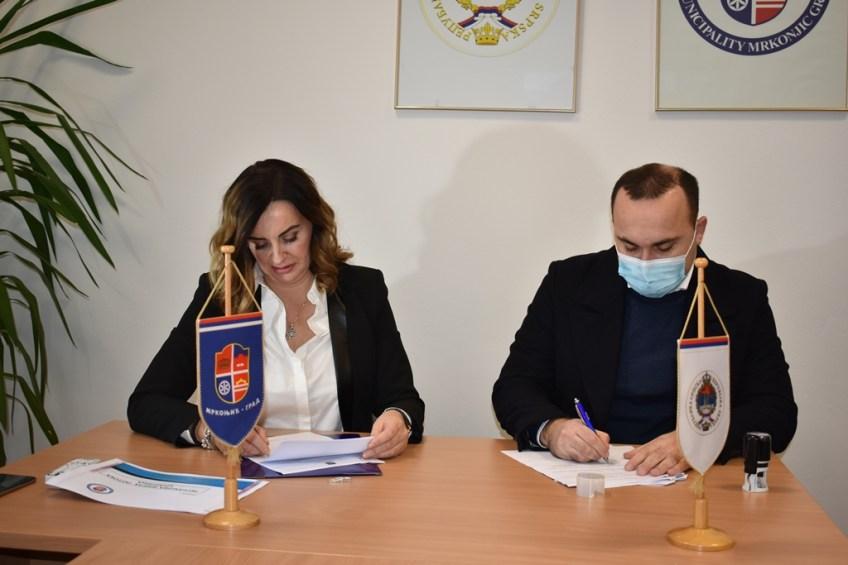 Mrkonjić Grad: Potpisan ugovor za sanaciju potoka Crljenica