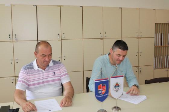 Mrkonjić Grad: Potpisan ugovor o sanaciji i adaptaciji postojećeg objekta Srednjoškolskog centra