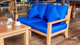 Lounge & Bar