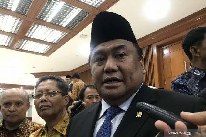 Rugikan Masyarakat, OJK Diminta 'Moratorium' Pinjol