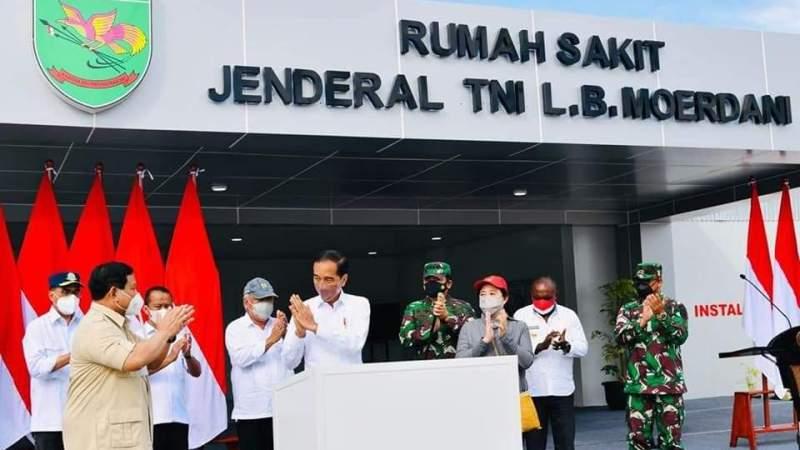 Presiden Jokowi Didampingi Menhan Prabowo Resmikan Rumah Sakit Modular Jenderal TNI L.B. Moerdani di Merauke