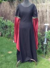 Kleid schwarz rot
