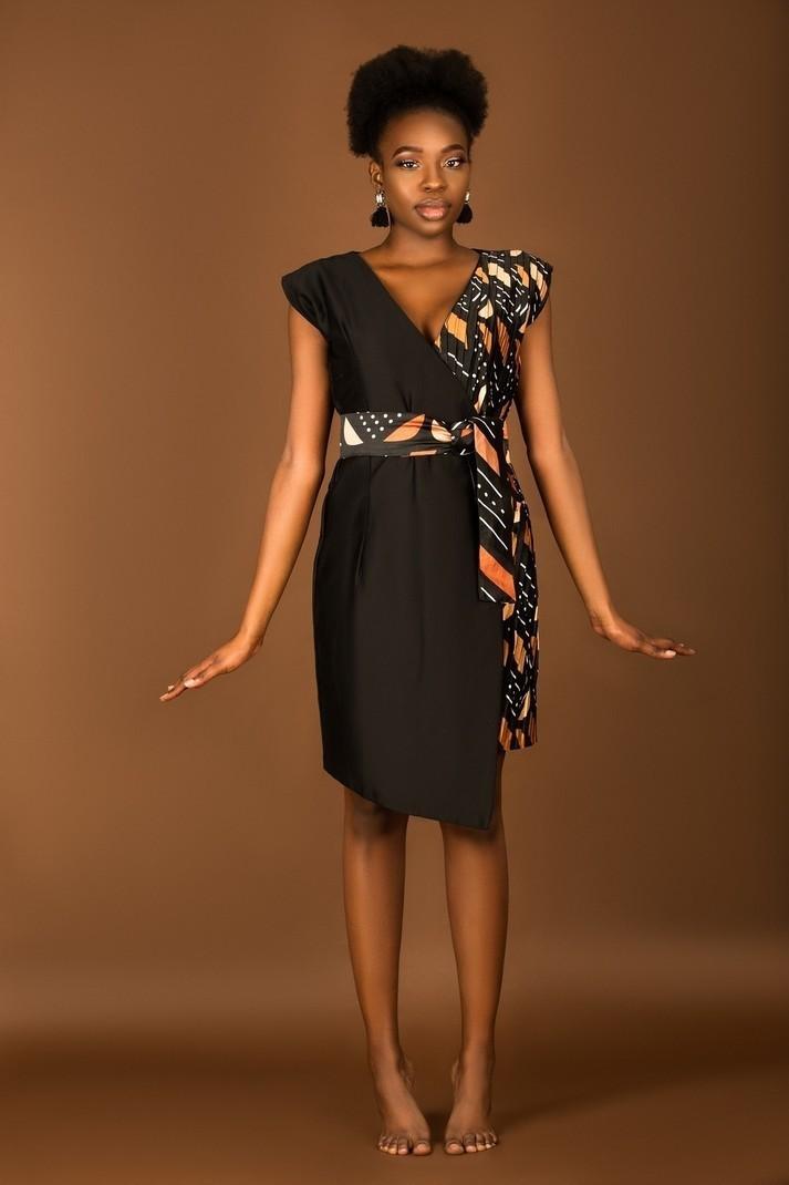 1efdc398 10 jolies robes en pagne parfaites pour les fêtes Blog Mode Togo #Fashion  #ootd ...