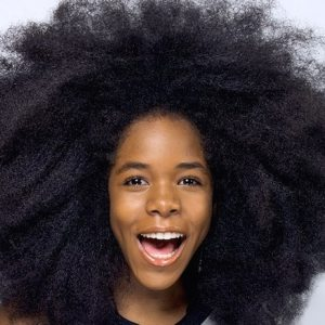 Cheveux crépus les bons gestes pour en prendre soin #Cheveuxcrépus #Cheveux #Hair #huileessentielle #Haircare #women
