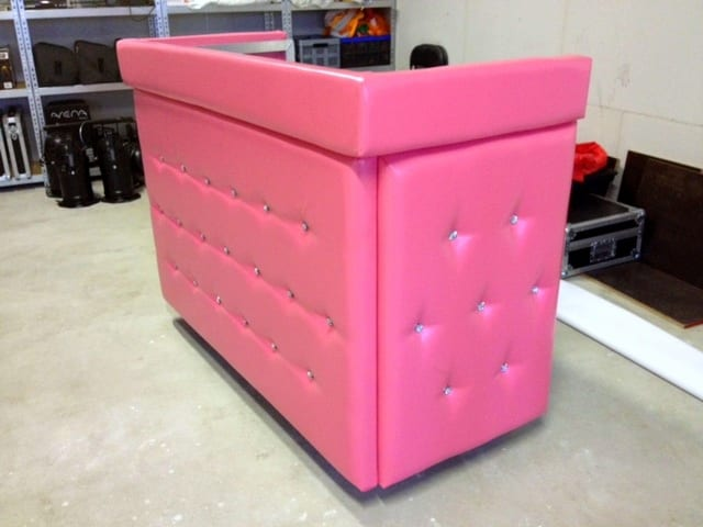 DJ booth meubel gecapitonneerd leer kleur roze