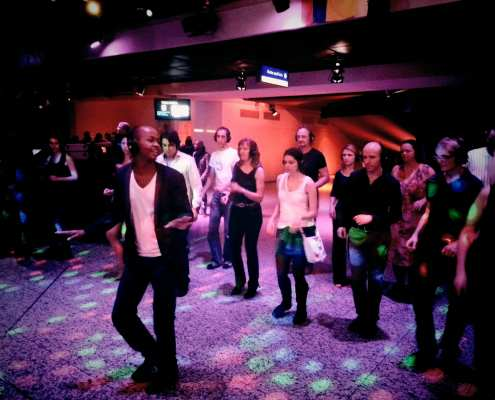 Salsa latin dans workshop - congres silent disco workshop