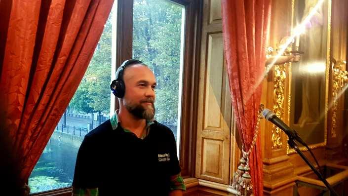silent disco museum koptelefoon
