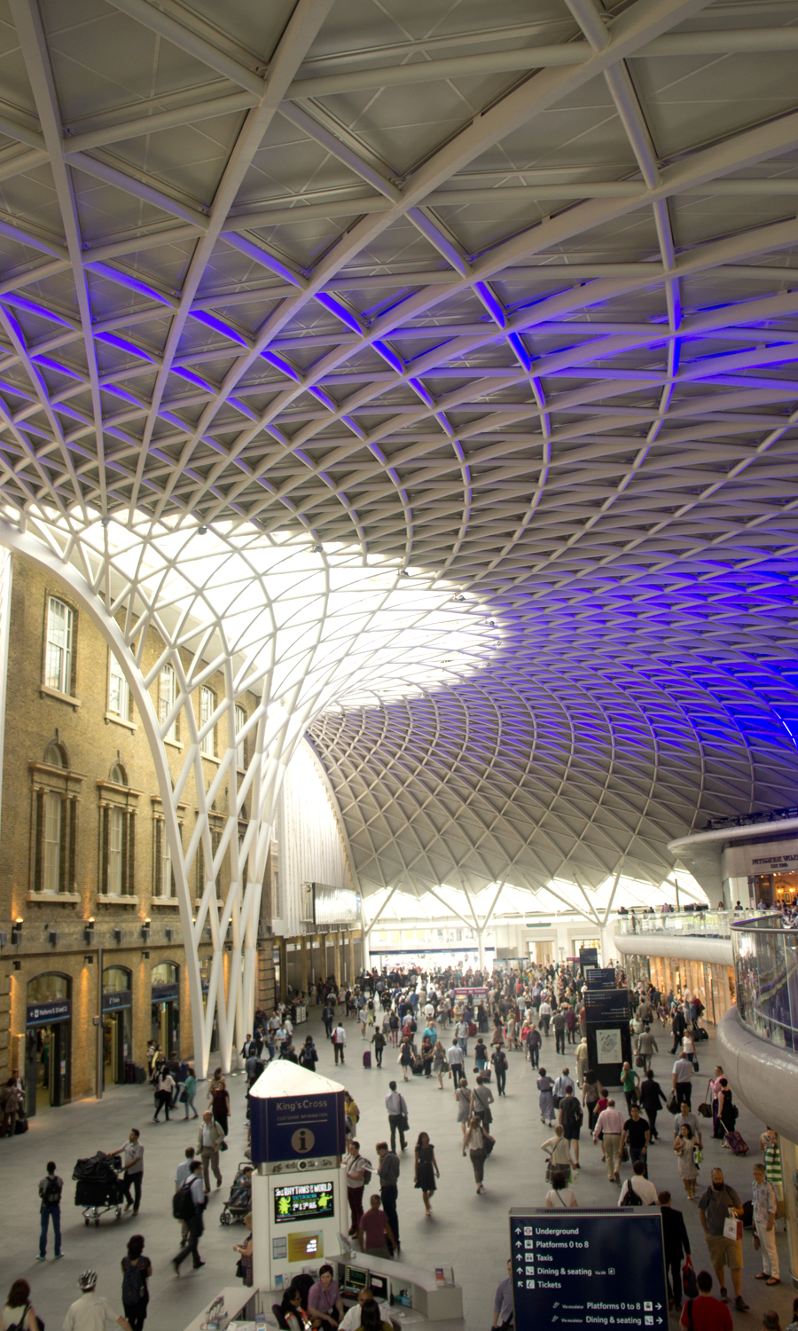 2014-kings-cross-station-london-uk-1