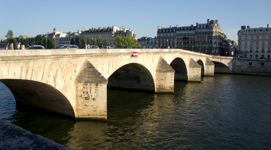 2014-pont-royal-bridge-paris-france-01