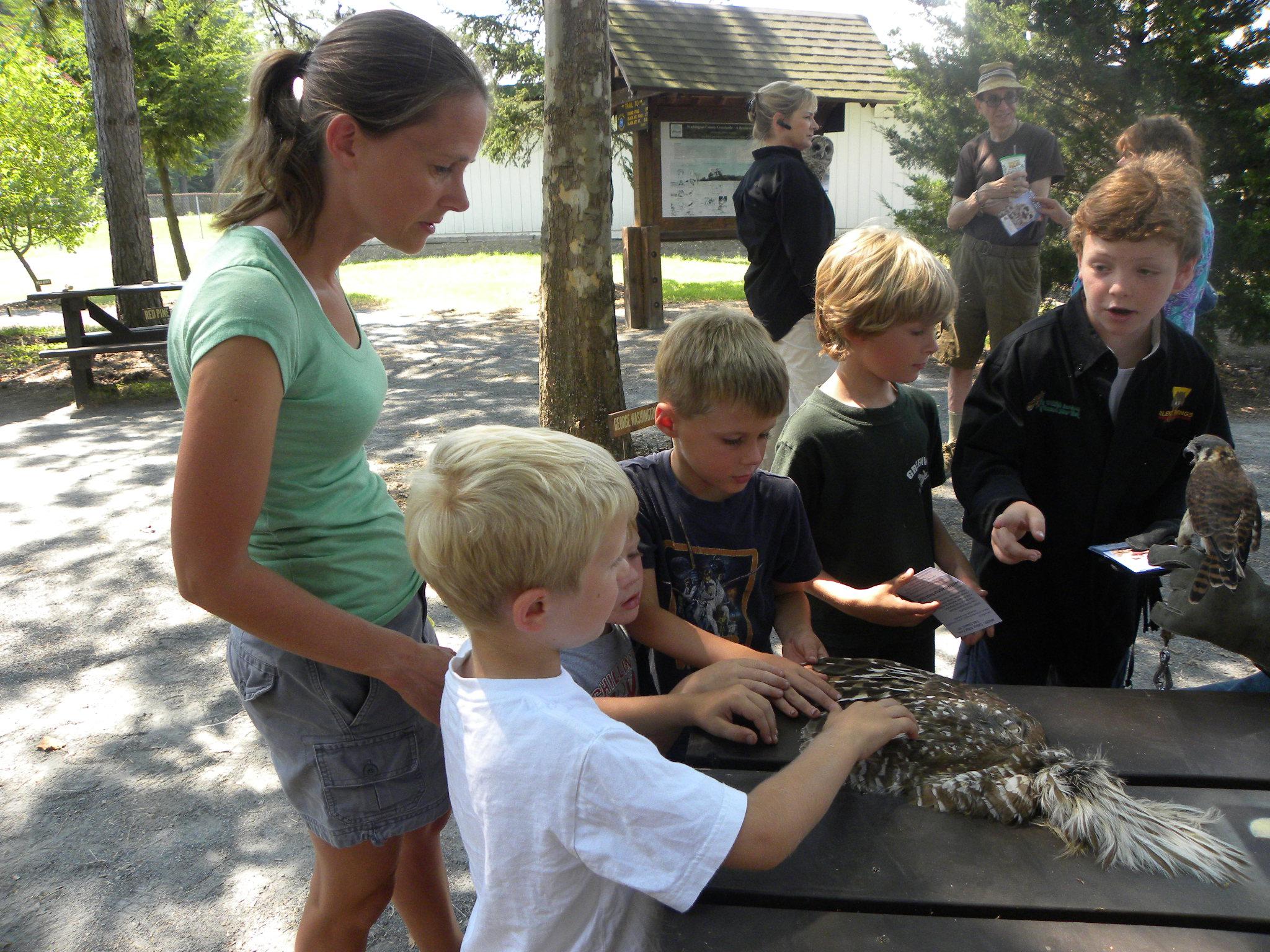 Beren educating kids at washington cty fair
