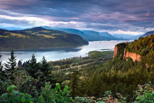 The Columbia Gorge marks where the Columbia River splits the Cascade Range between the states of Washington and Oregon.