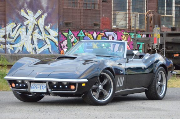 1969 Chevrolet Corvette Stingray front