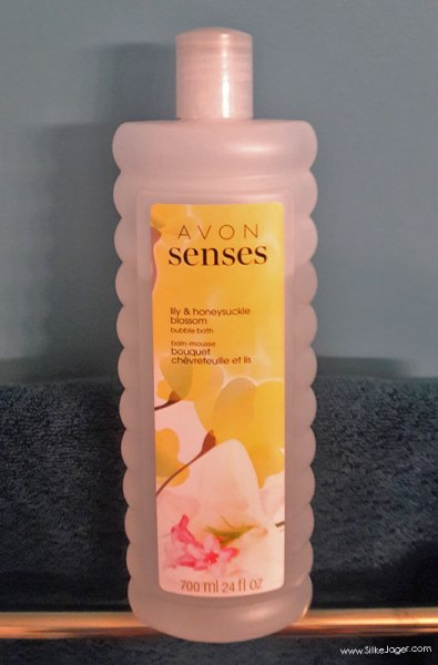 Avon Senses Bubble Bath In Lily & Honeysuckle Blossom