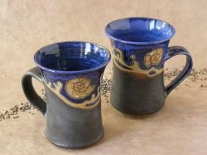 Steinzeug-Tassen