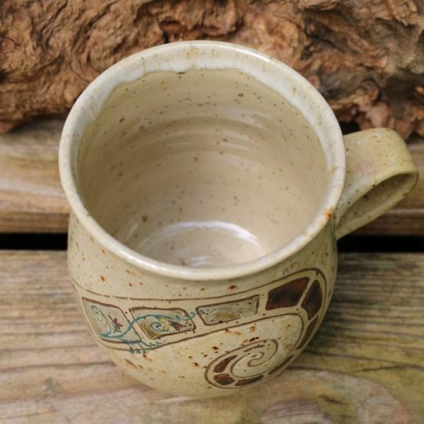Kaffeepot mit Intarsienornamenten