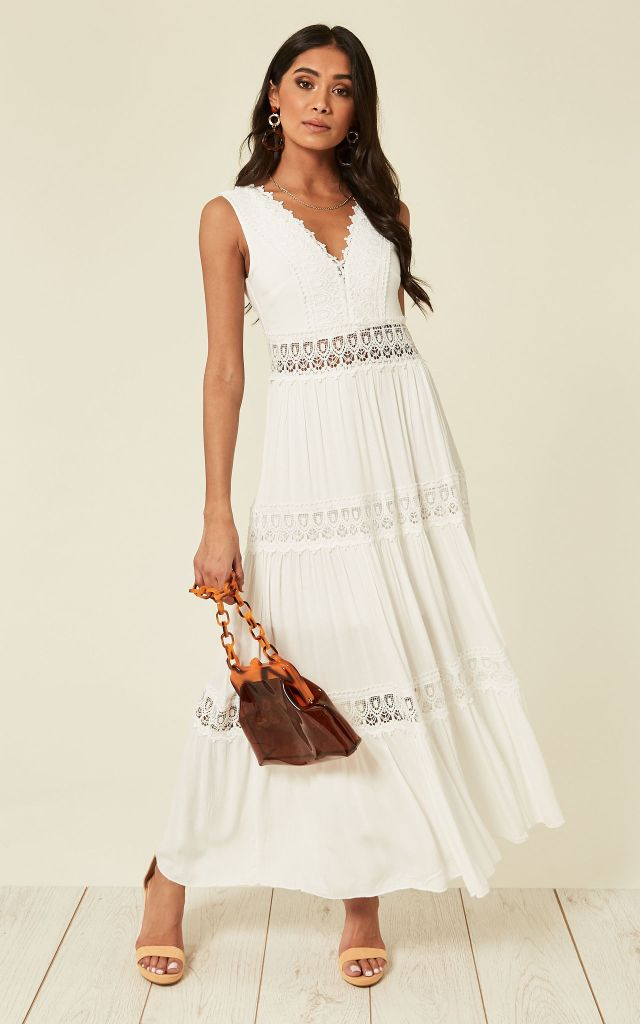 Maxi dress in white brorderie anglaise