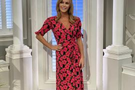 how-to-tie-a-wrap-dress-amanda-holden