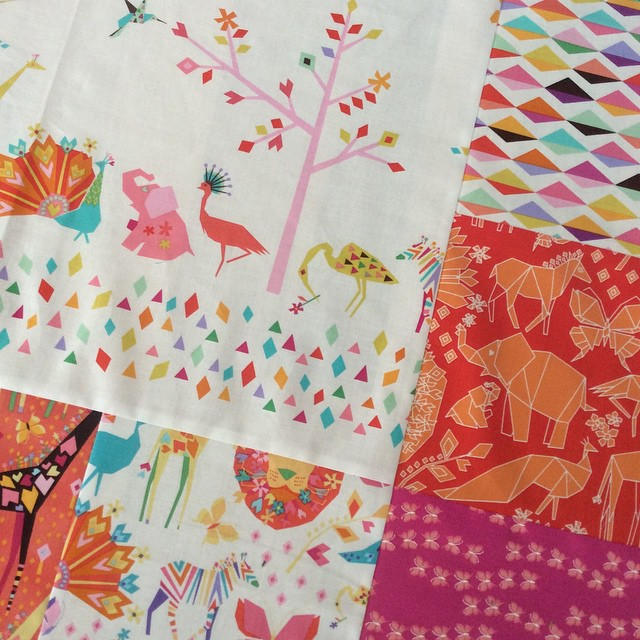 Happy Saturday #origamioasisfabric #newbabyquilt @tamarakatedesign making slow progress since we have spring like  temps outside!