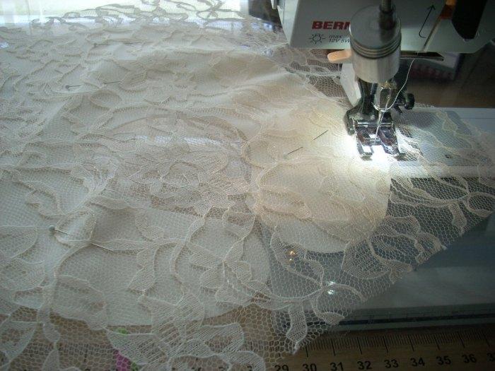 lace bib finish