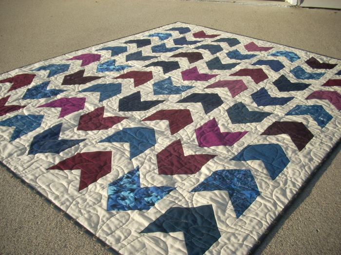 marine and burgundy arrow quilt