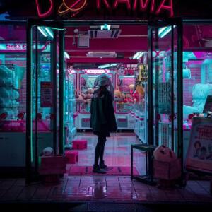 fotografia norturna urbana con neones