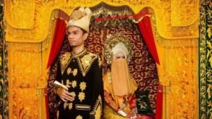 Meukotop adalah Pakaian Adat Aceh