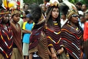 5 Pakaian Adat Papua dan Papua Barat, Gambar Serta Penjelasannya