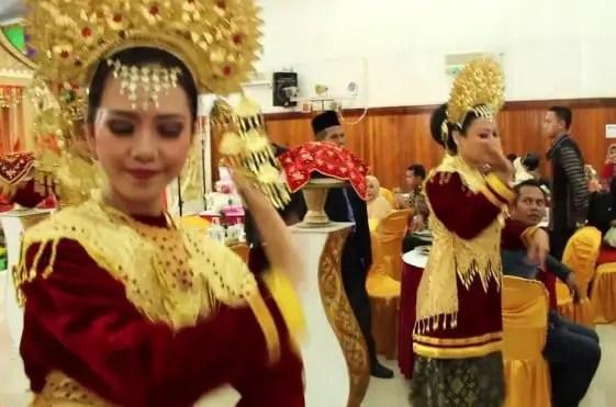 Seni Tari Pasambahan khas Sumatera Barat