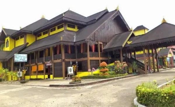 4 Rumah Adat Kalimantan Barat Gambar Dan Keterangannya