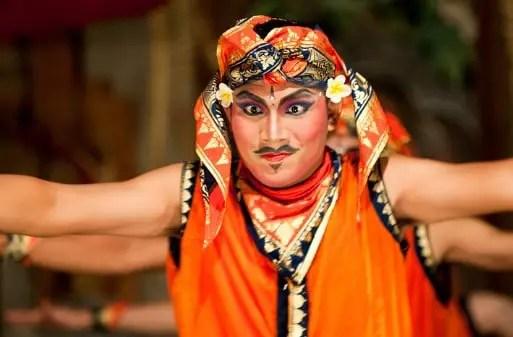Artikel tentang Tari Gopala Bali dan keunikannya