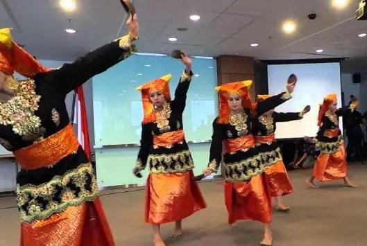 Info mengenai Tari Tampurung dari Kalimantan Selatan yang keren