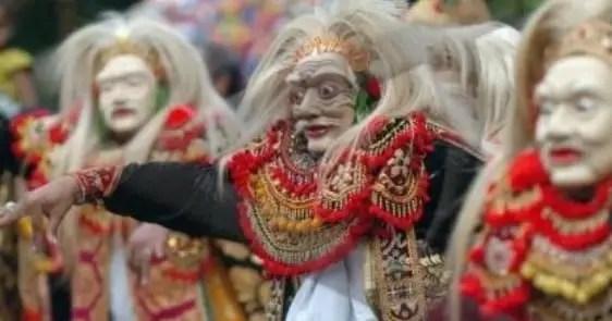 Info tentang Tari Topeng Tradisional Bali dan penjelasannya