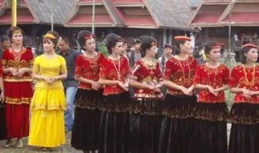 Penjelasan mengenai Tari Torompio Sulawesi Tengah dan Keunikannya