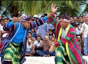 10 Tarian Tradisional Daerah Sulawesi Tenggara, Gambar dan Penjelasannya