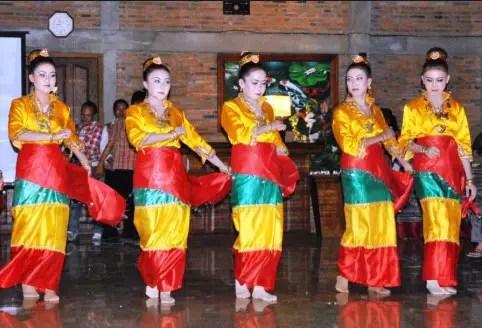 Ulasan tentang info Tari Balumpa Sulawesi Tenggara dan Keterangan