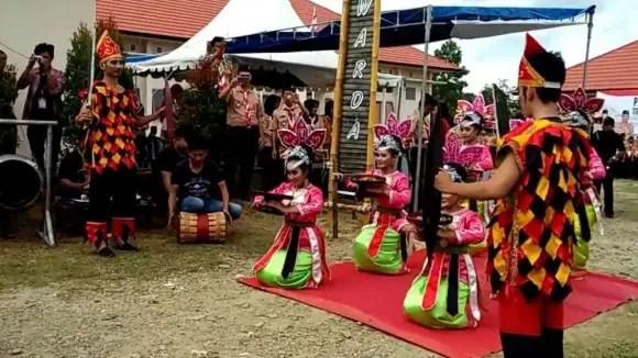 Ulasan terkait Tari Umoara Sulawesi Tenggara dan Sejarahnya