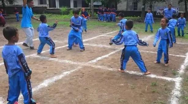 Uraian Mengenai Permainan Gobak Sodor Jawa Timur dan Penjelasannya