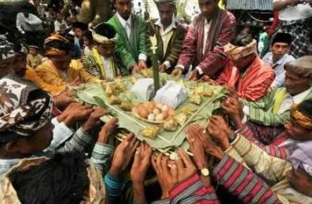 Uraian tentang Tari Mowindahako Sulawesi Tenggara yang unik