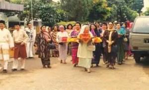 Info tentang Upacara Mengantar Belanja Riau serta Keunikannya