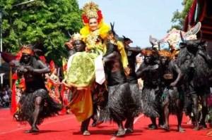 Uraian terkait dengan Upacara Jawa Tengah Kebo-keboan