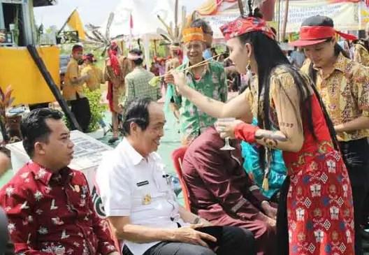 Info dan gambar tentang Upacara Mamapas Lewu Kalimantan Tengah yang unik